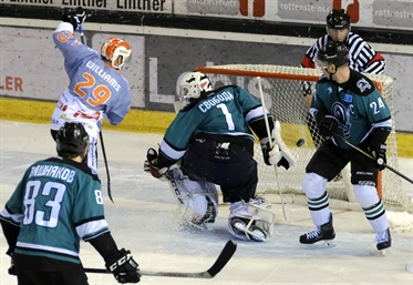 Ritten's boys win at home